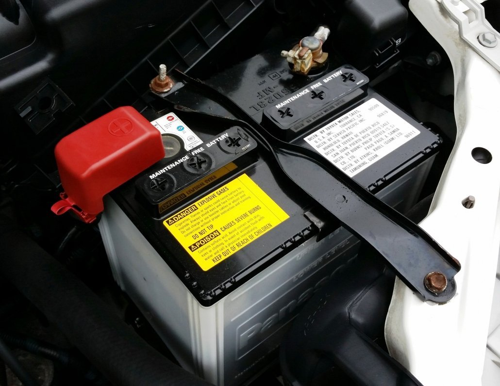 How to check your battery to prepare your car for your family road trip