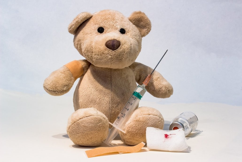 vaccination prior to travel overseas with children